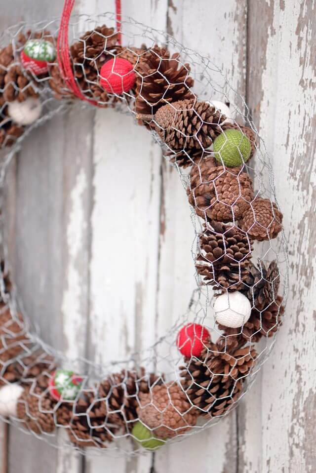 Create a Jolly Holiday Wreath