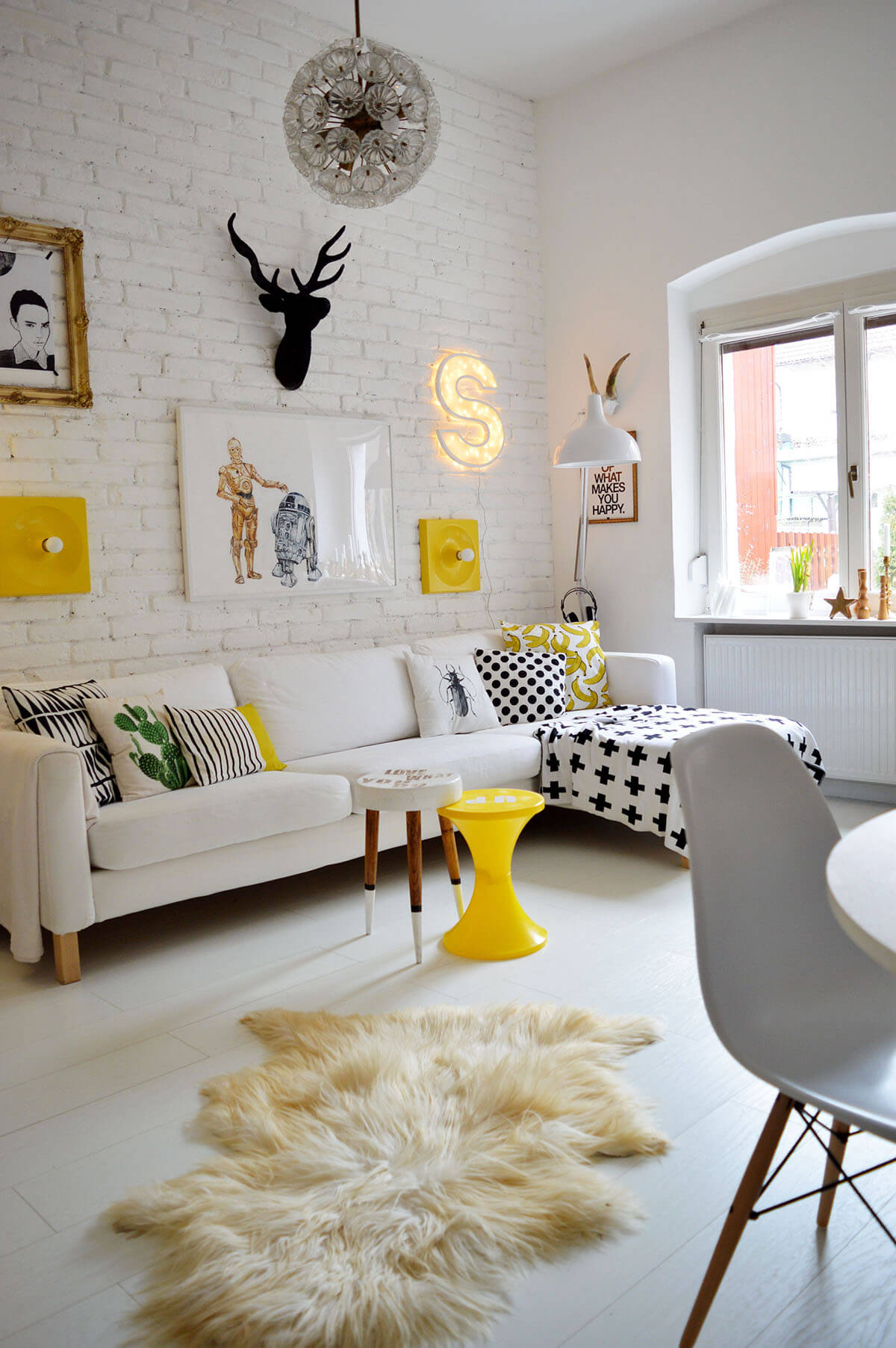 25 best small living room decor and design ideas for 2019 - Decoracion nordica salon ...
