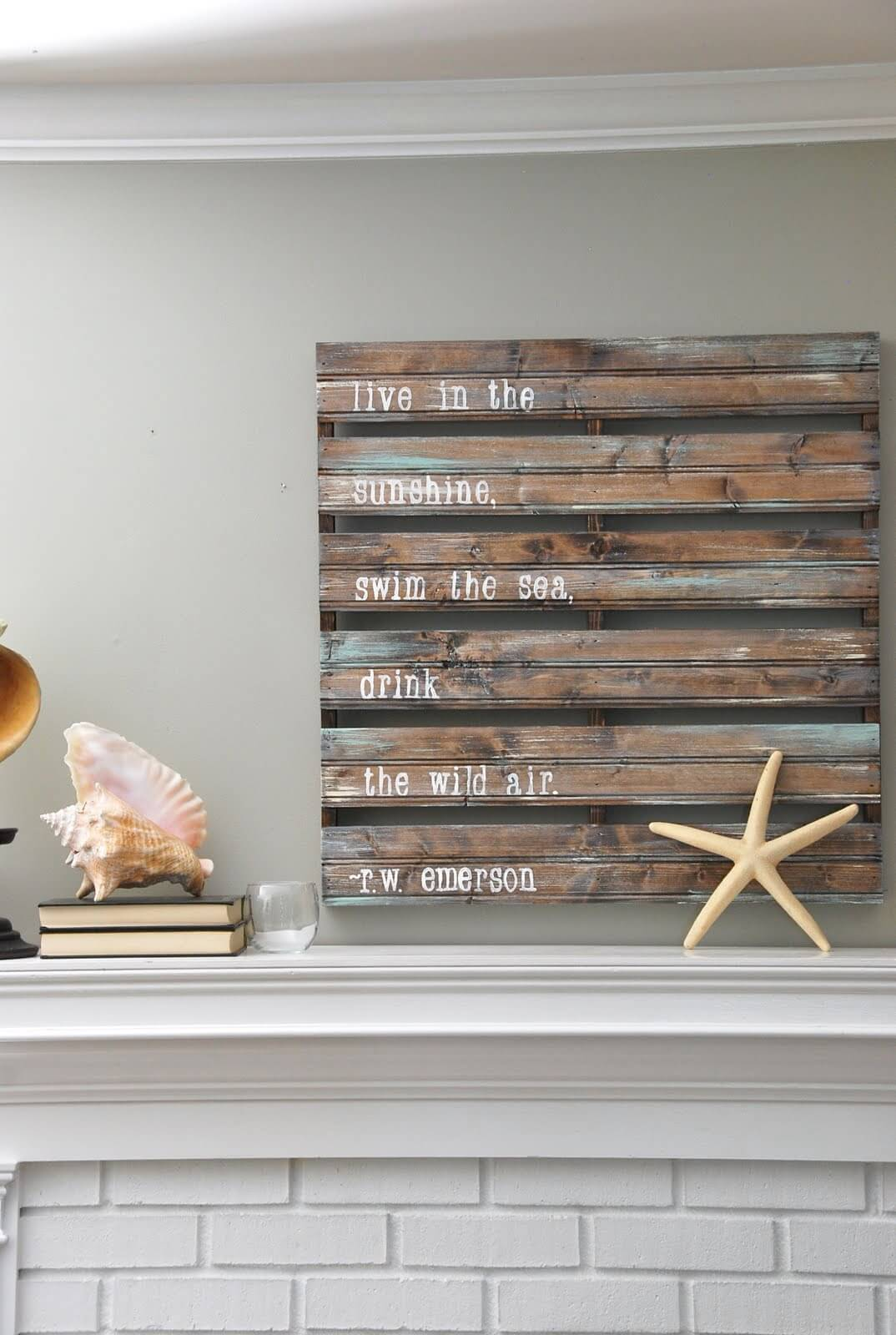Stenciled Palette Sign with Inspirational Saying