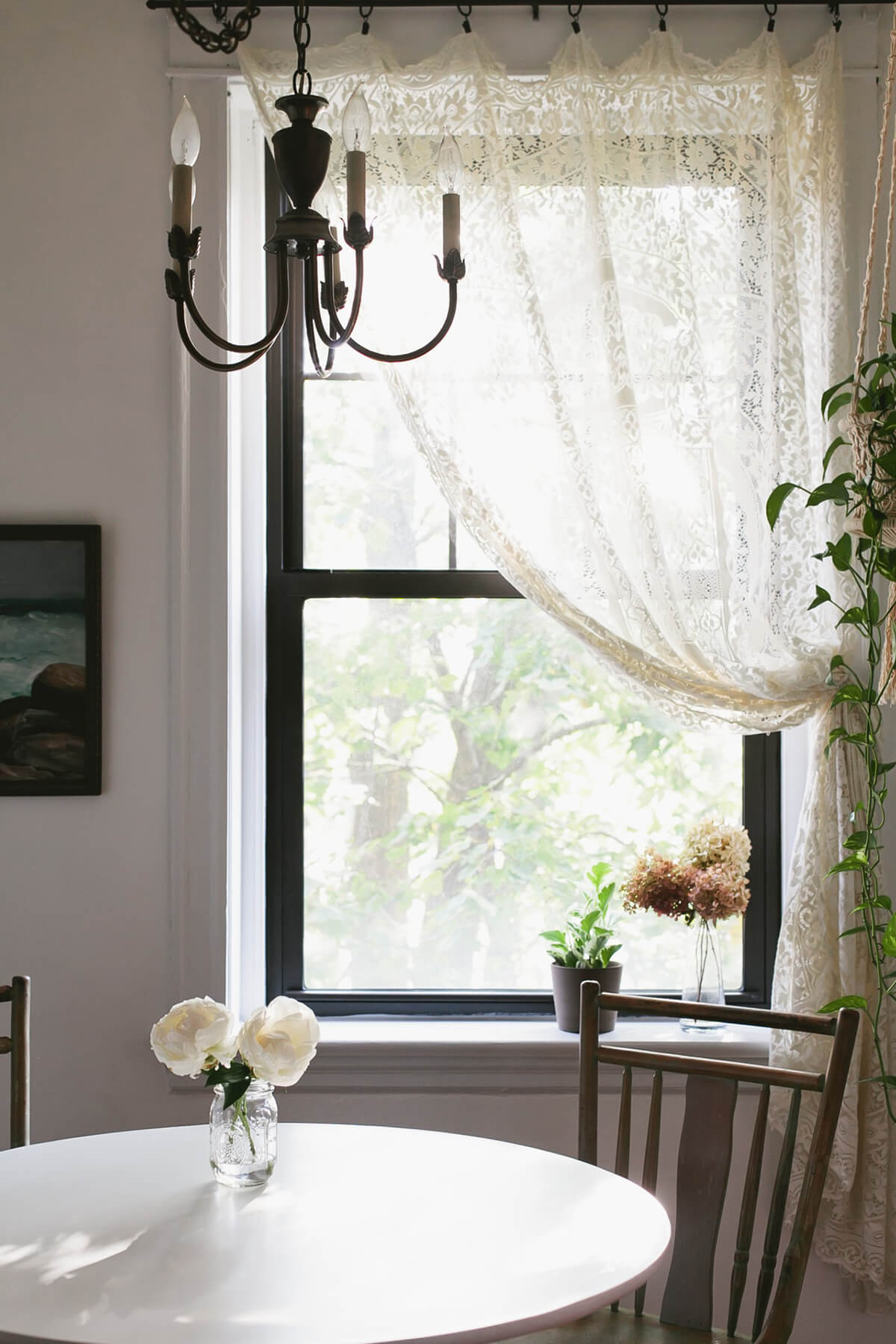 26 Best Farmhouse Window Treatment Ideas For Your Home