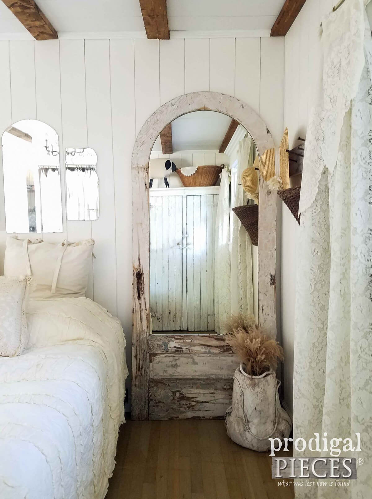 25 Best Farmhouse Mirror Ideas And Designs For 2020
