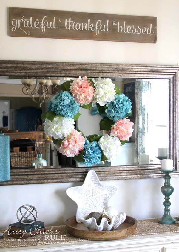 Simple Hydrangea Wreath for your Mirror
