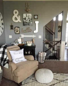Charming Rustic Living Room Wall Decor Ideas
