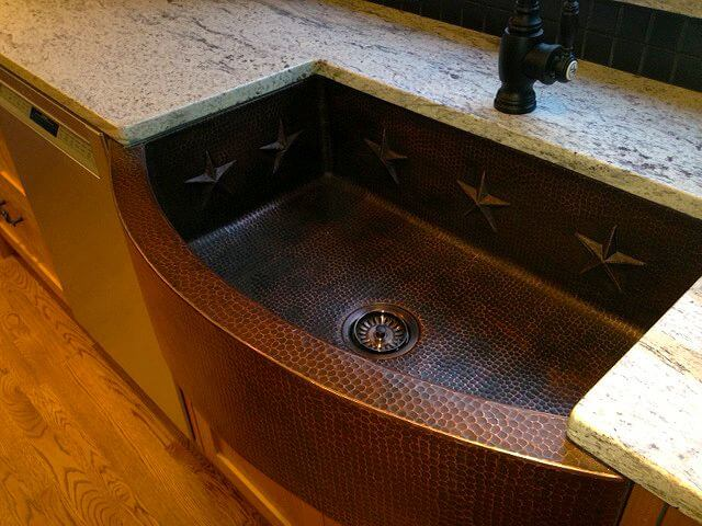 Starry Farmhouse Sink with Copper Texture