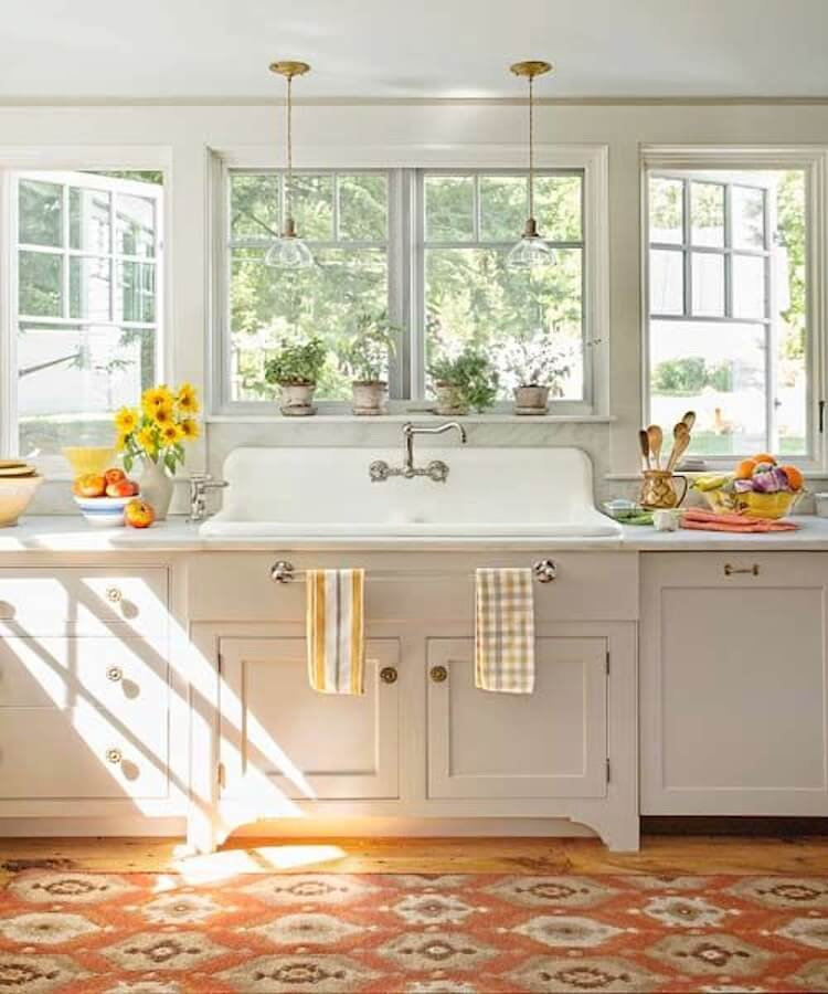 26 Farmhouse Kitchen Sink Ideas and Designs for 2020 on Kitchen Sink Ideas  id=83885