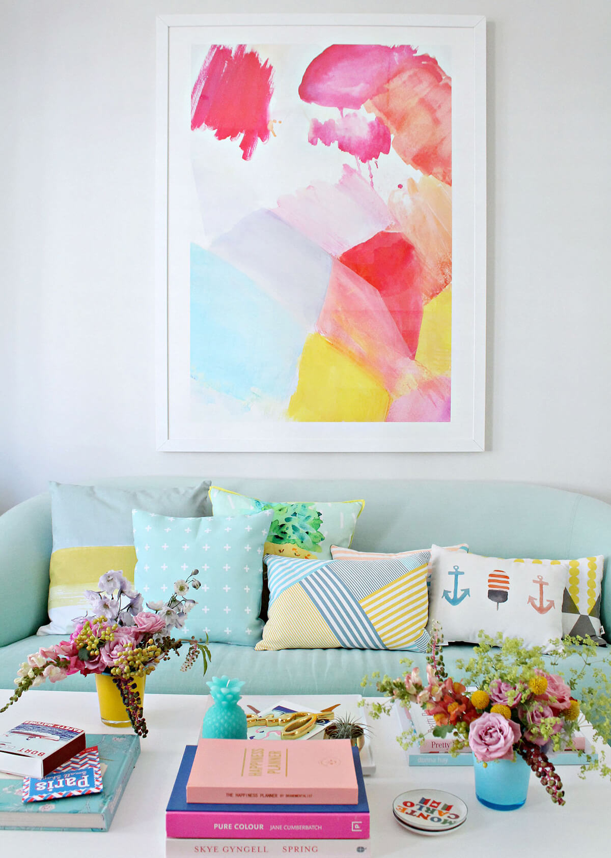 Cheery Pastel Tropical Style Decorating Idea