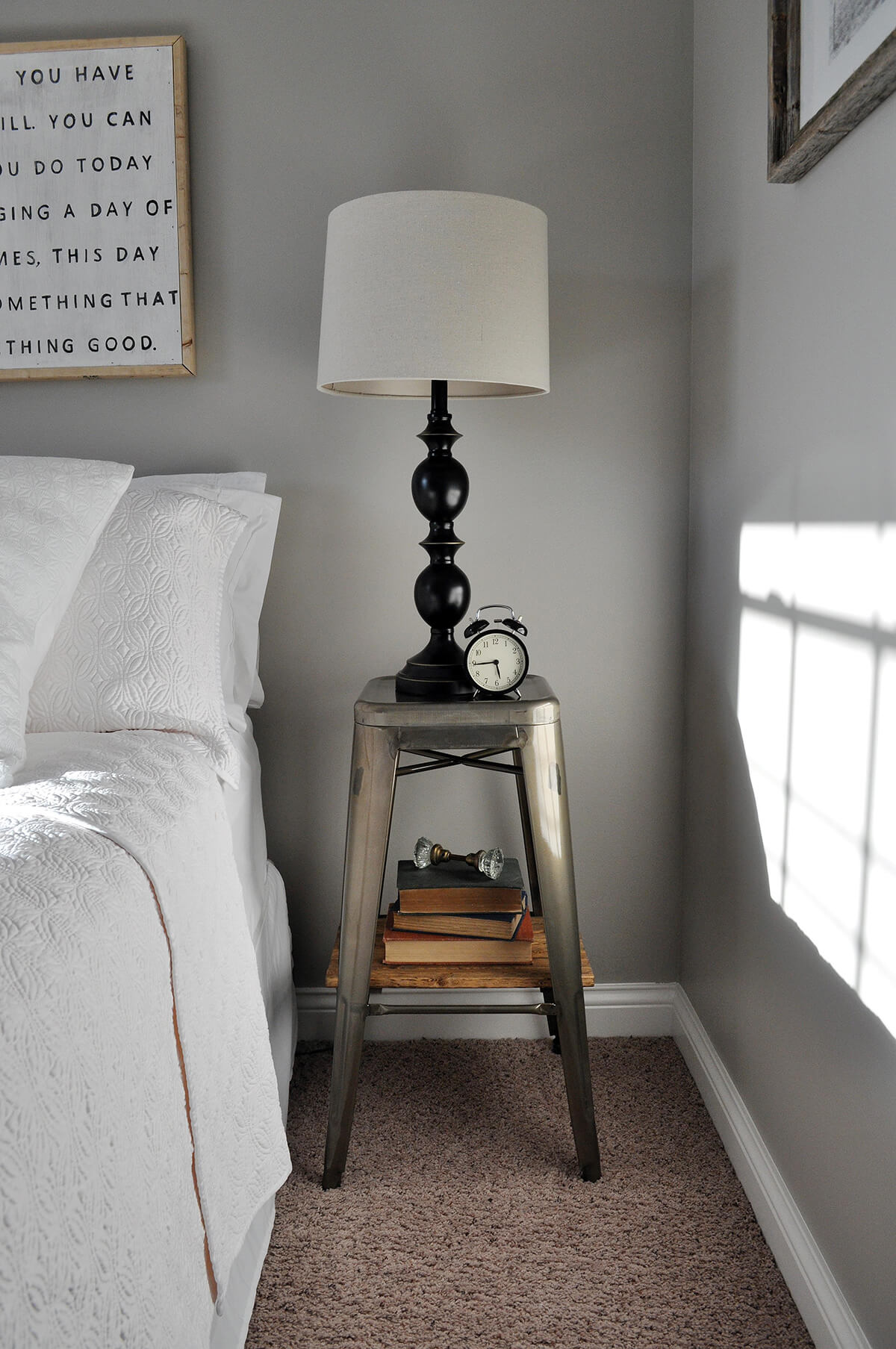 Modern Metal Nightstand Table with Lamp
