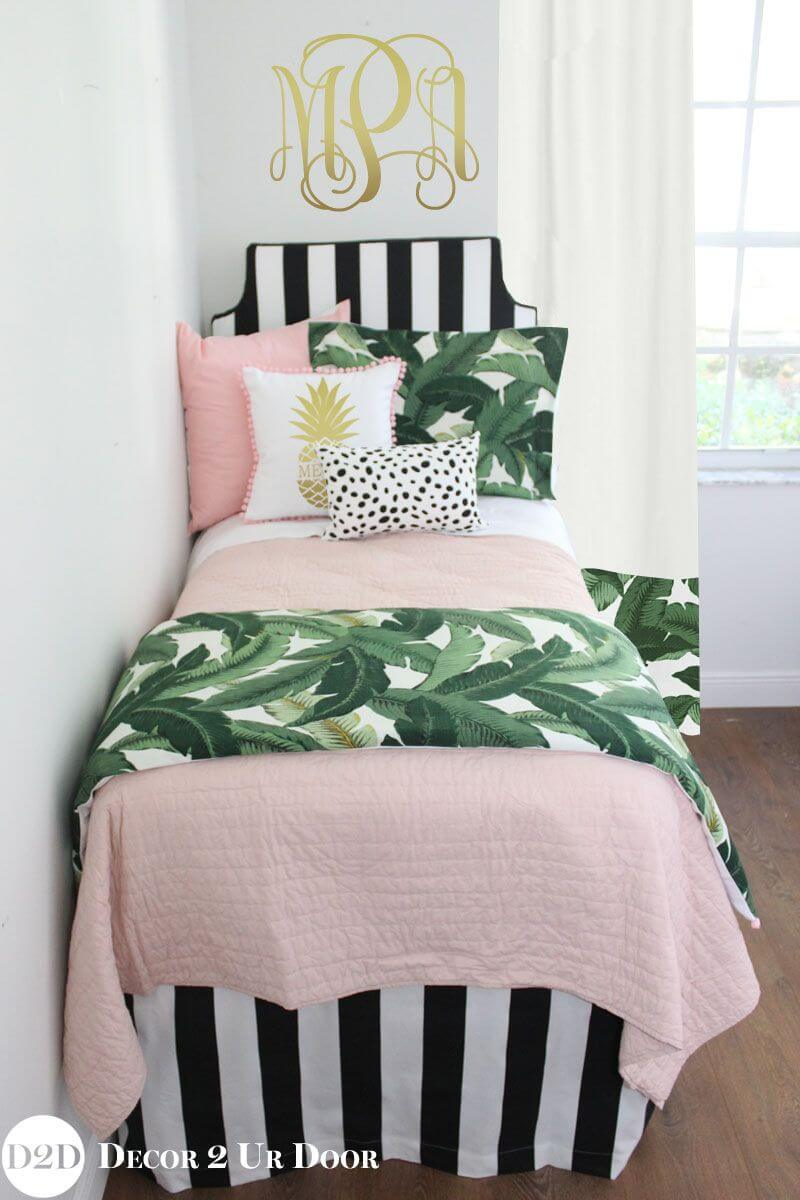 Cheerful Girl's Room Décor in Pink with Leaves