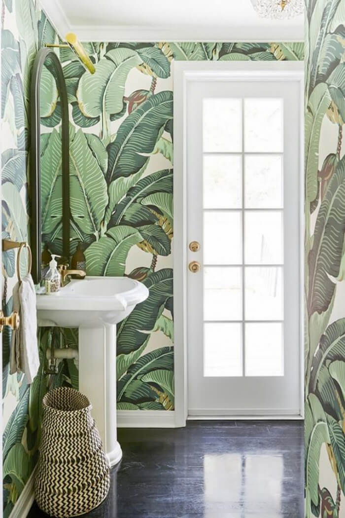 Gorgeous Tropical Wallpaper in the Bathroom