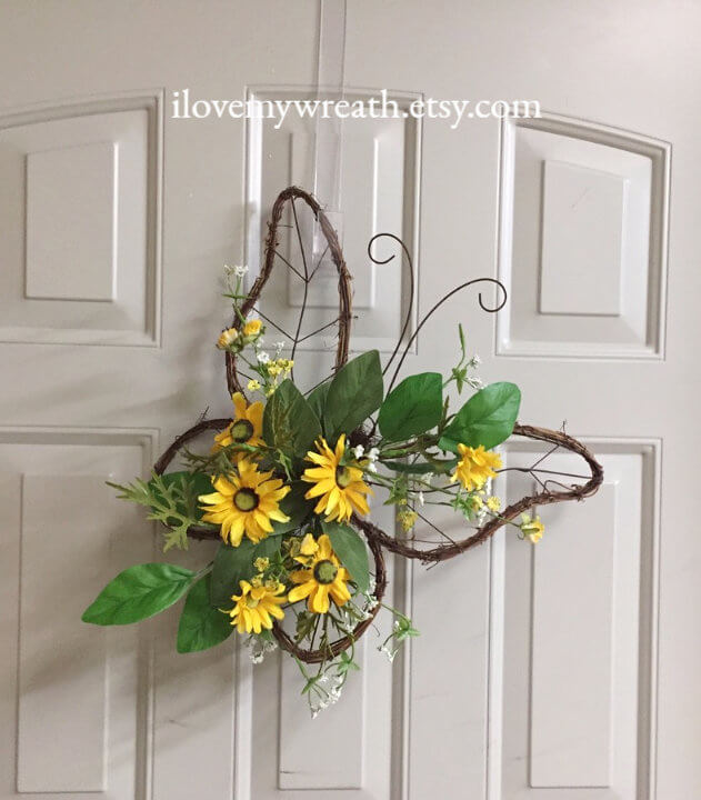 Grapevine Butterfly and Daisies Make for an Unforgettable Summer Wreath
