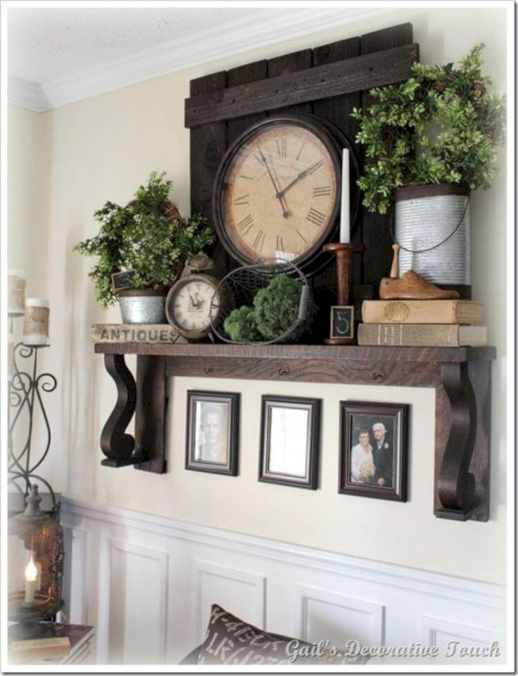 Hearty Wooden Mantel Antique Clock