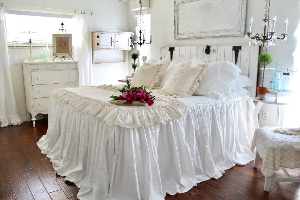 Elegant Long-ruffled Classic Bed Cover