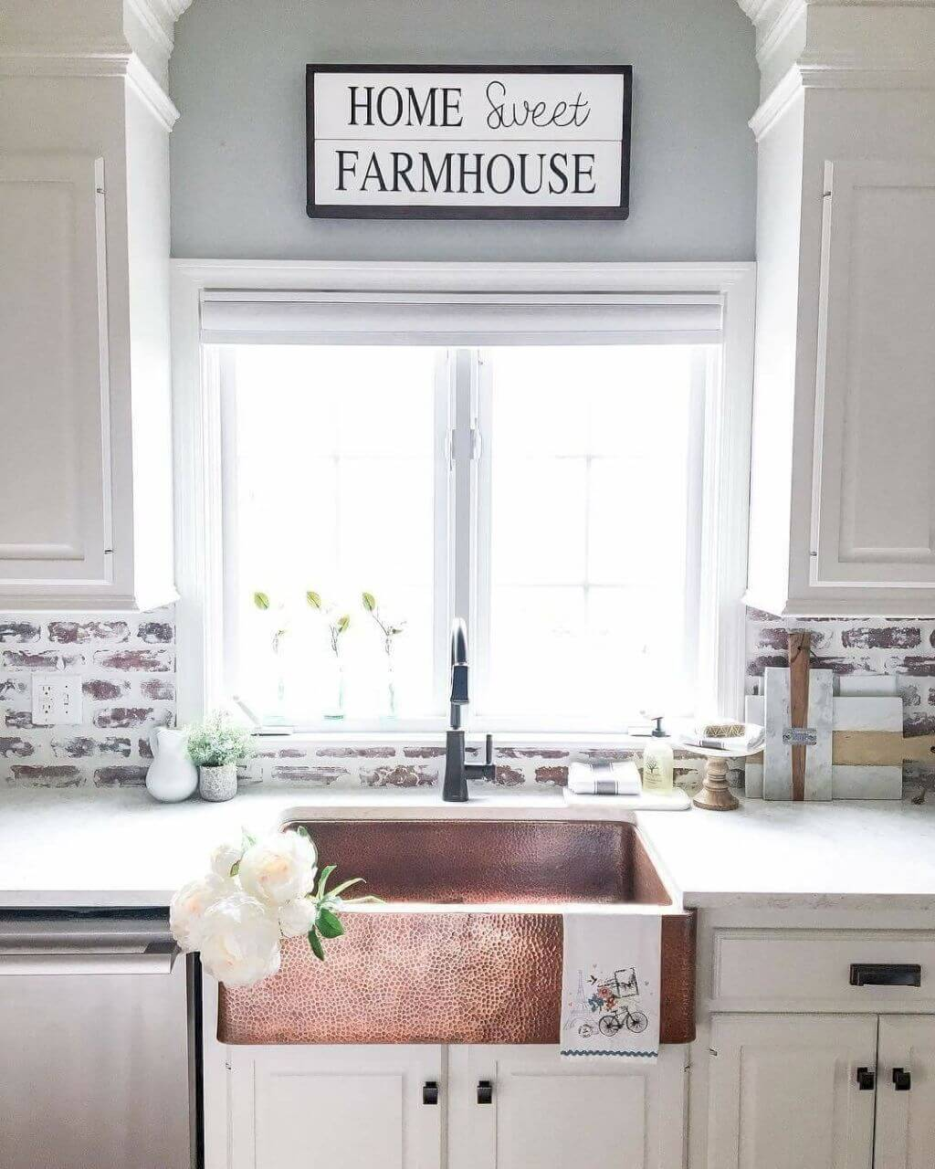 8 Best Farmhouse Kitchen Backsplash Ideas And Designs For 2020