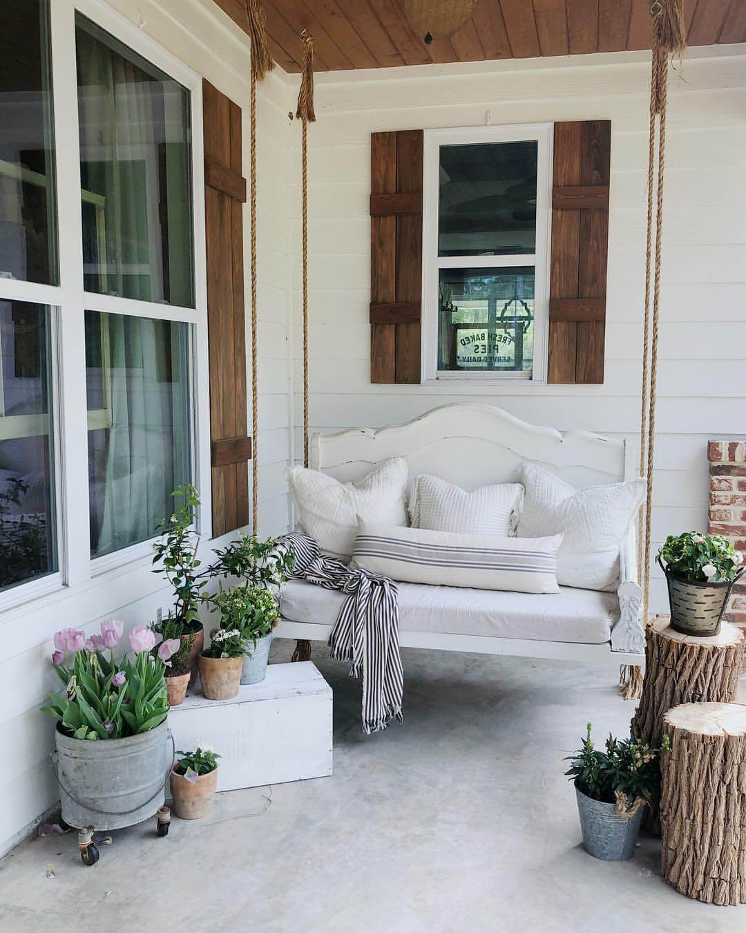 Front Porch Swing With Wood And Aluminum Accents