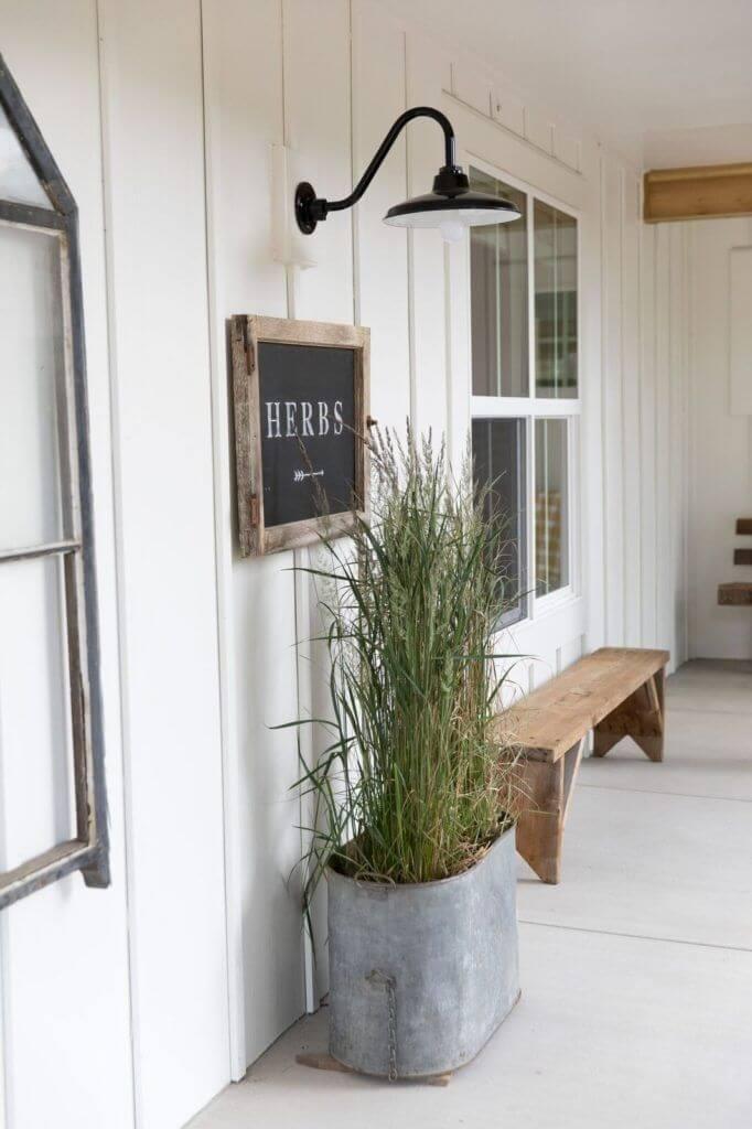 DIY Rustic Farmhouse Porch Display