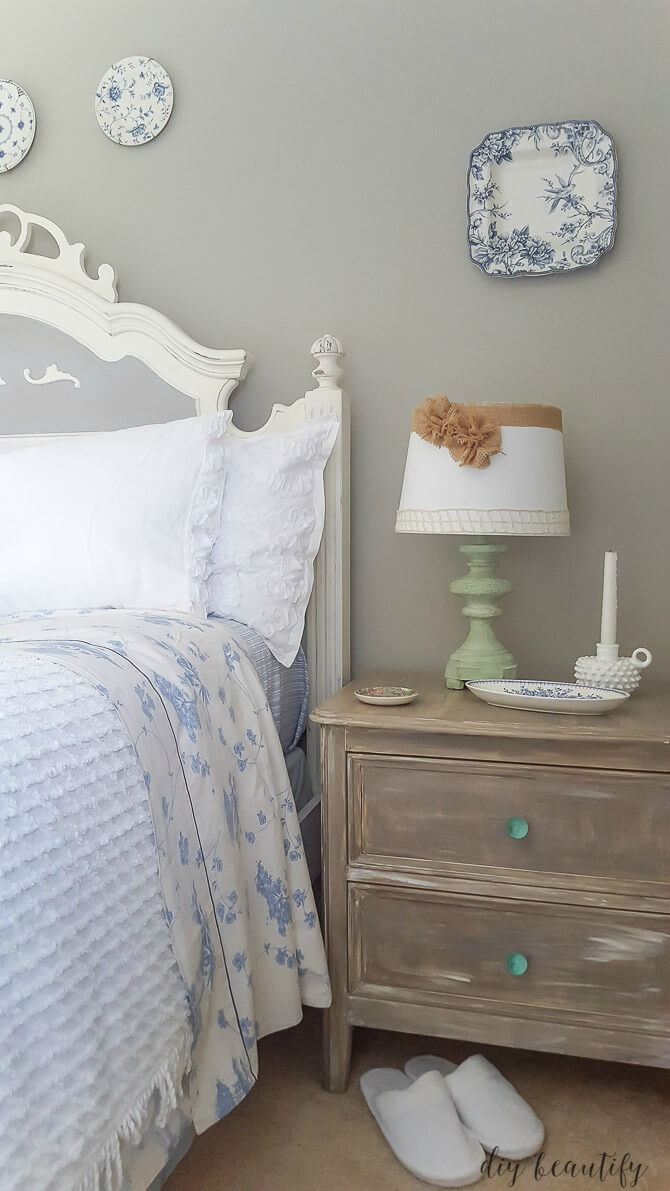Rustic Paint Finishes and Comfortable Chenille