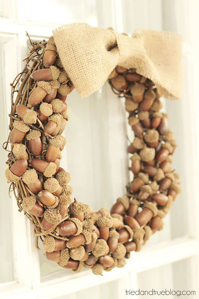 Acorns Abound Around this Autumn Wreath