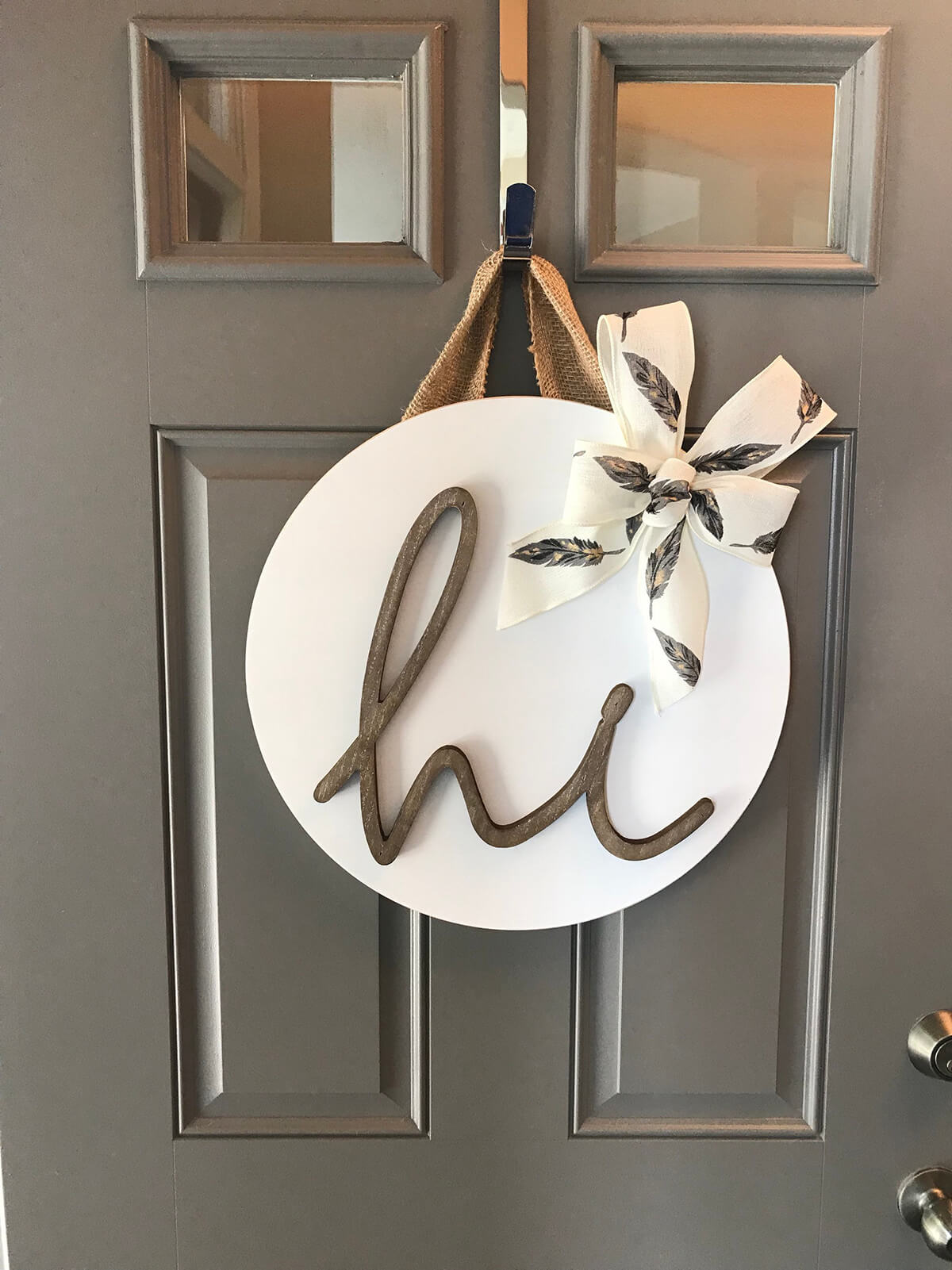 White Front Door Hanging Greeting Sign