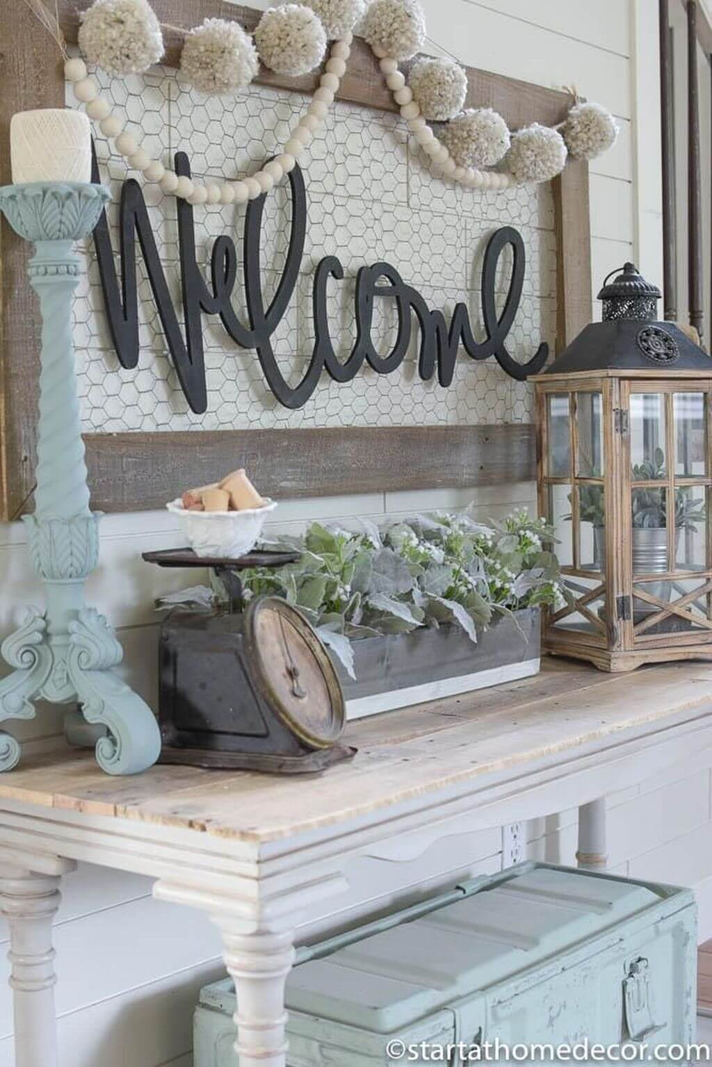 Cozy and Vintage Welcome Console