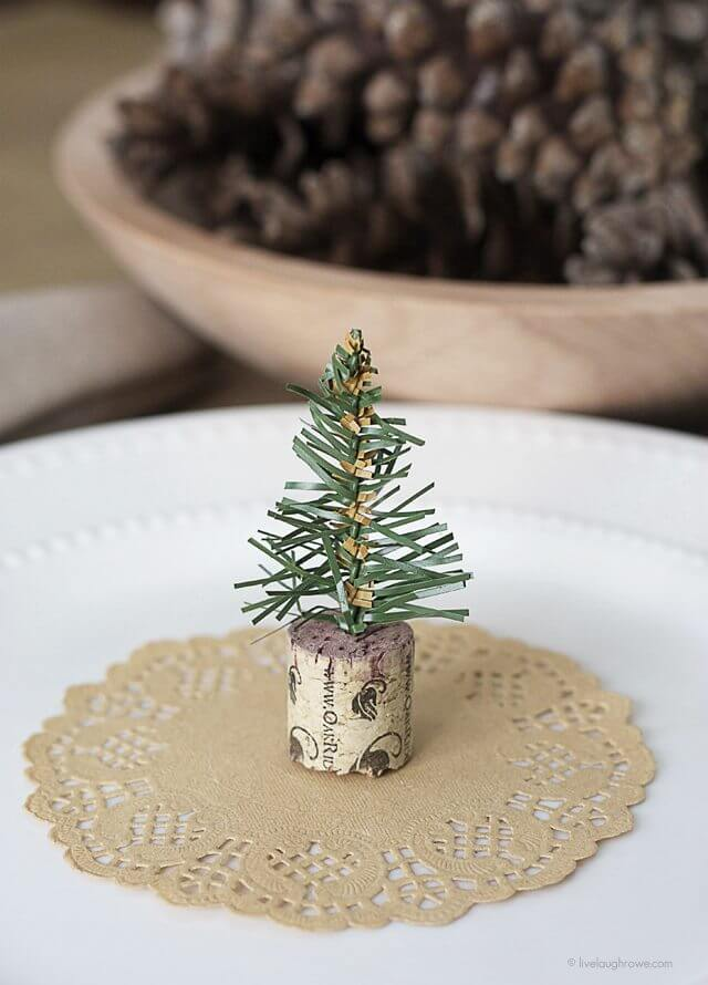 A Wine-Inspired Cork Christmas Tree Craft