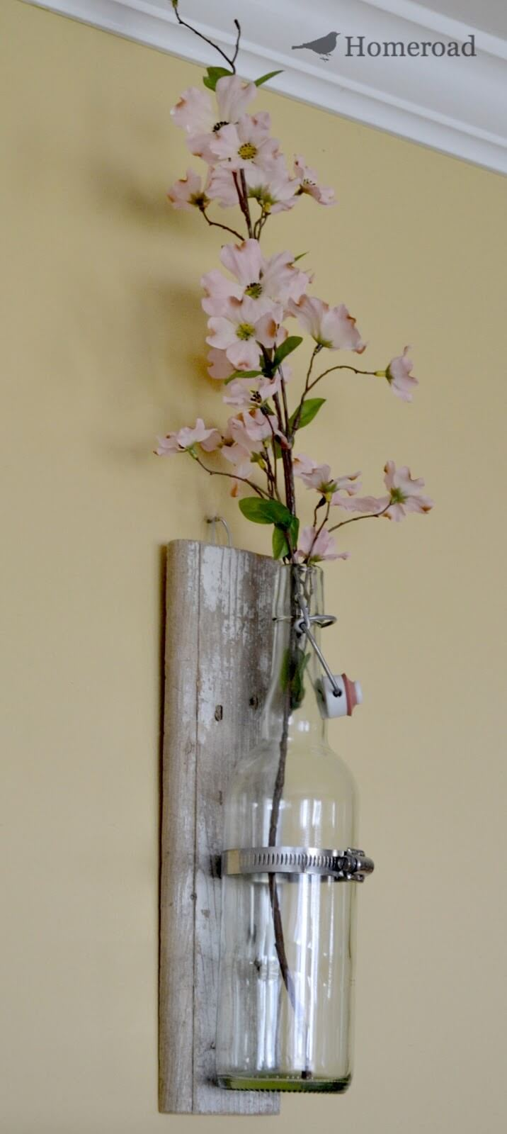 Simple and Elegant Clear Bottle Vase Planters