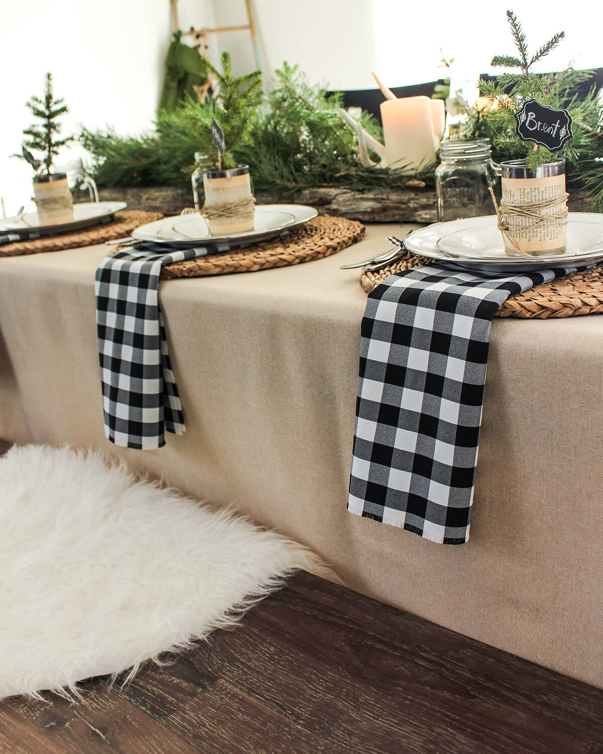 Black and White Gingham Add to a Rustic Setting
