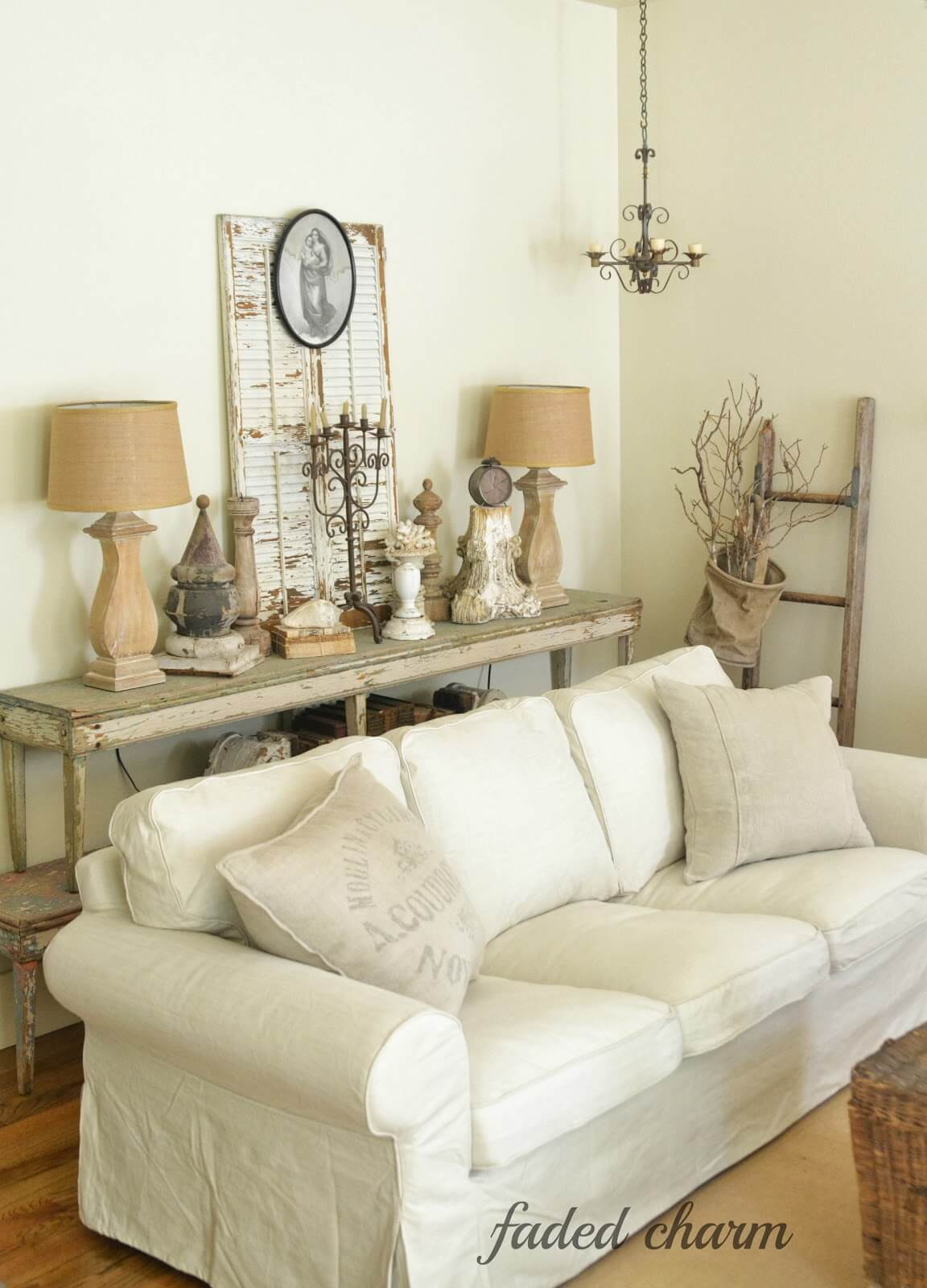 Lovely Antique Country Chic Farmhouse Living Room