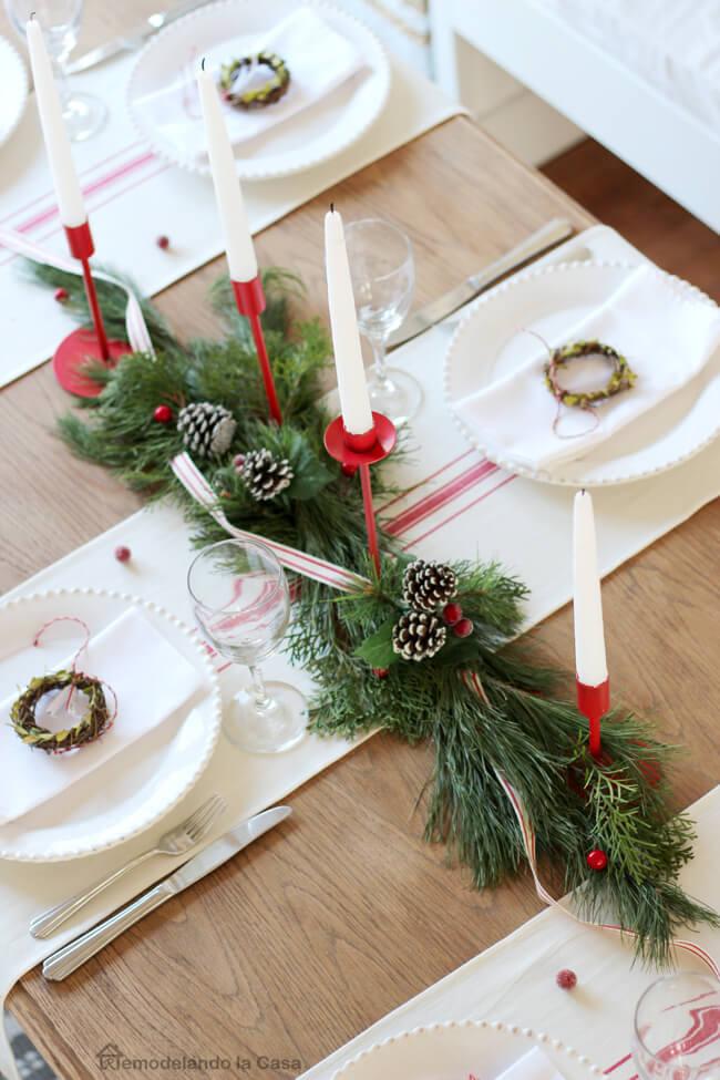 Tiny Wreaths Adorn White Napkins