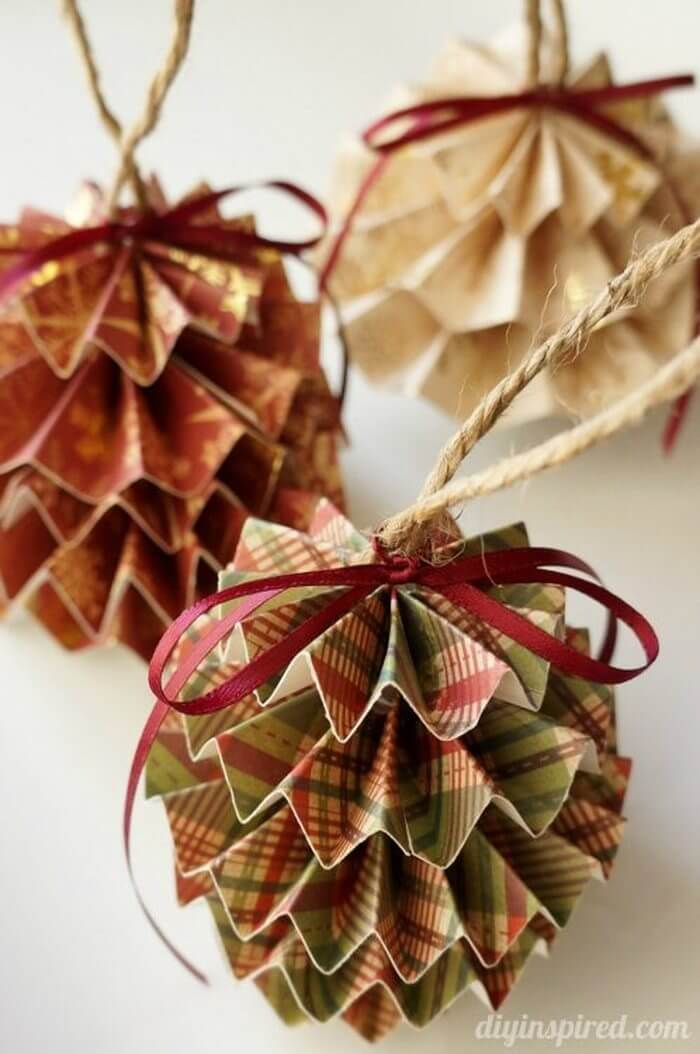 Delicate Paper Pleated Patterned Tree Trimming