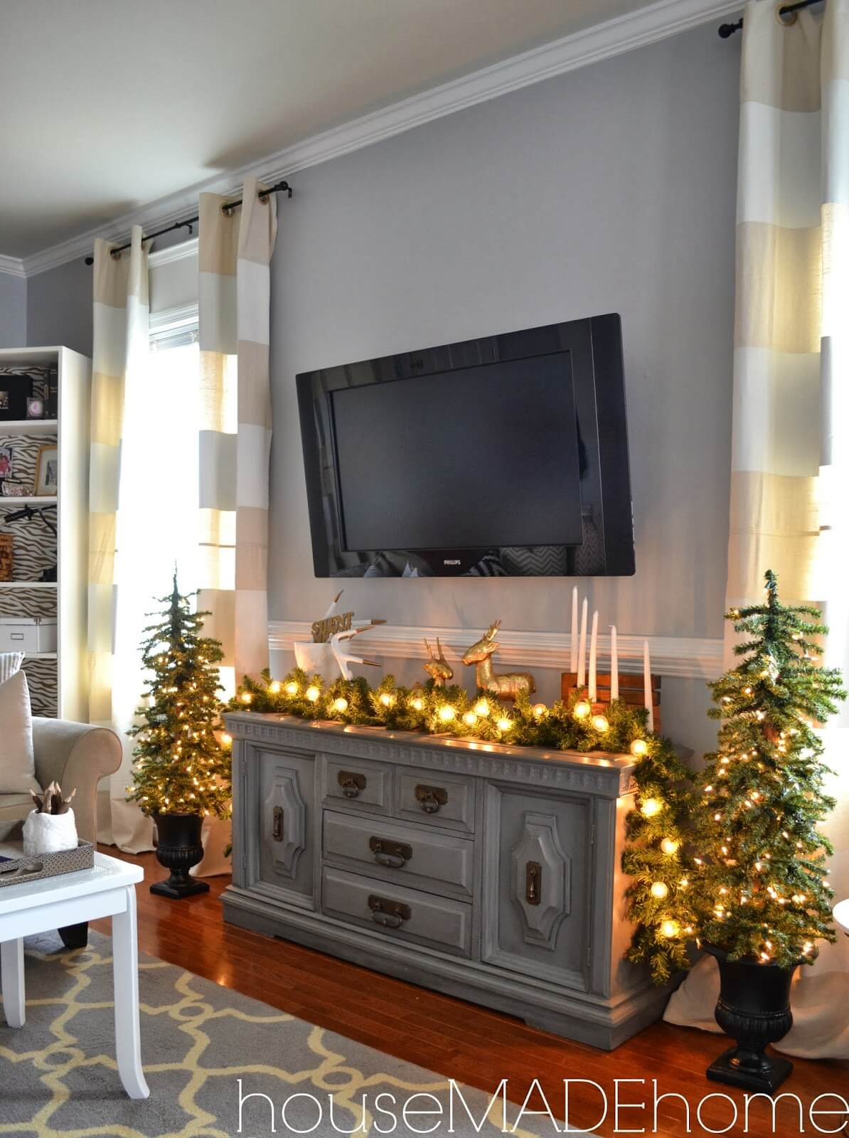 Mini Tree and Mantle Light Display