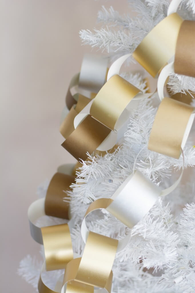 Gold Paper Chain Links for the Tree