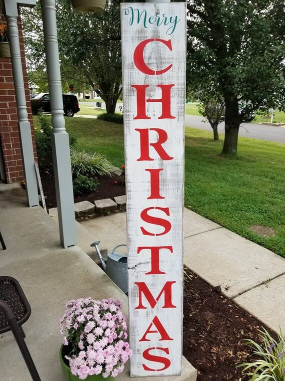 Classic Merry Christmas Vertical Wood Sign