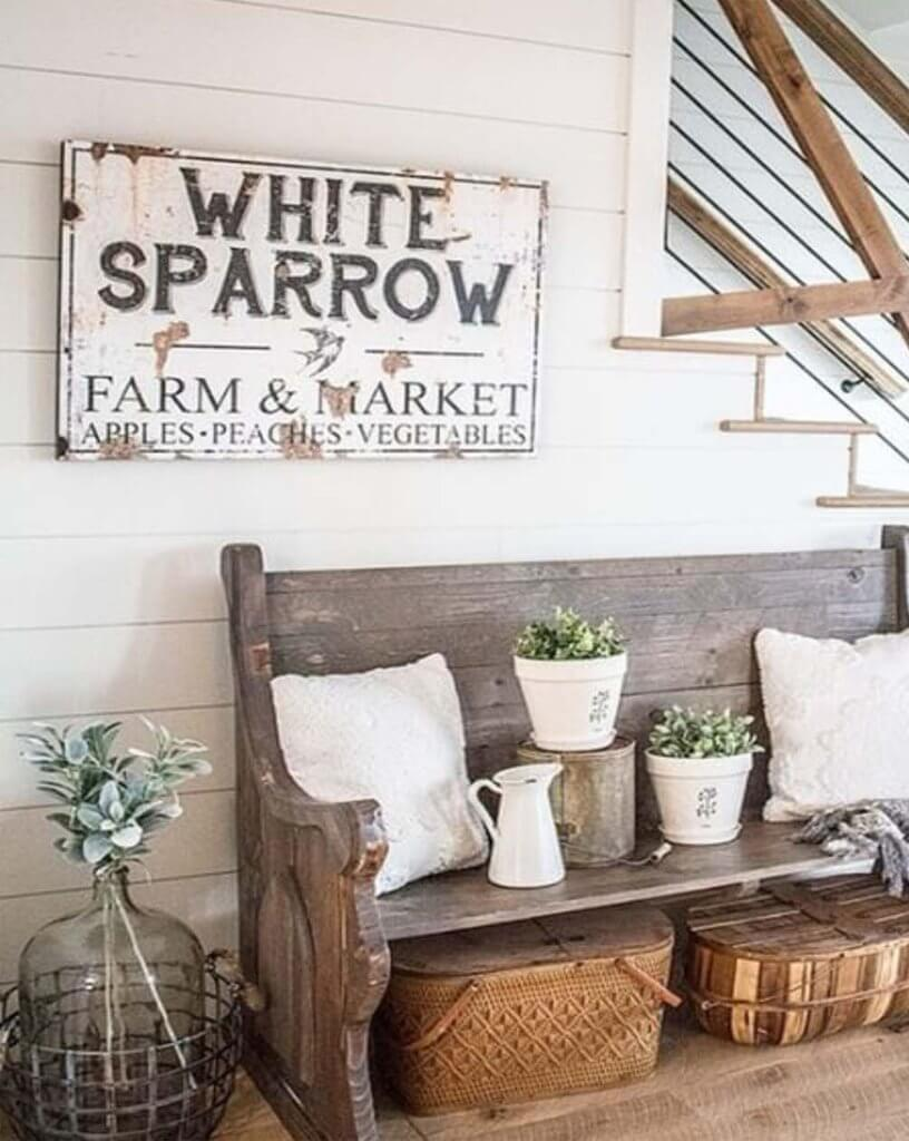 Farmer's Market Parlour with Wooden Bench