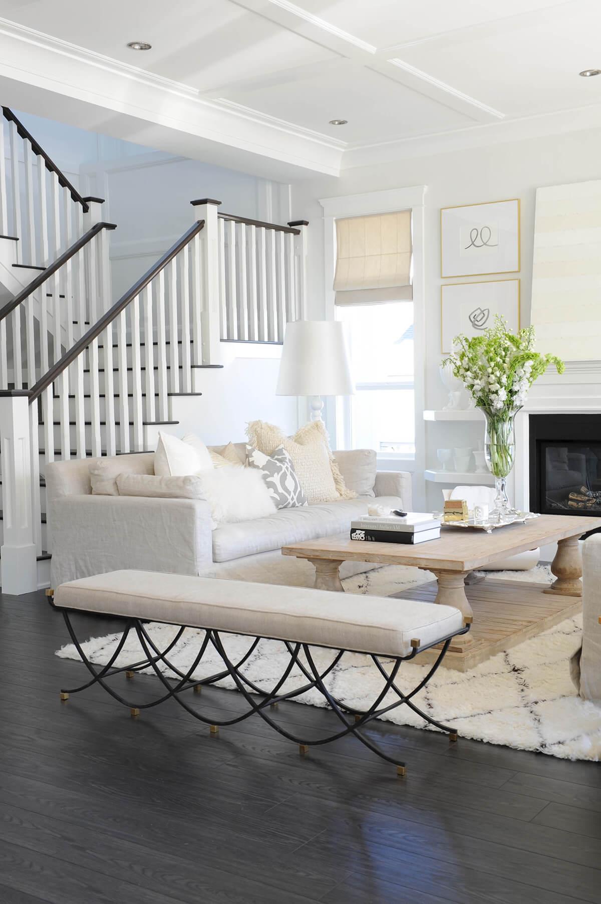 Crisp, Clean, and Modern Living Room Décor