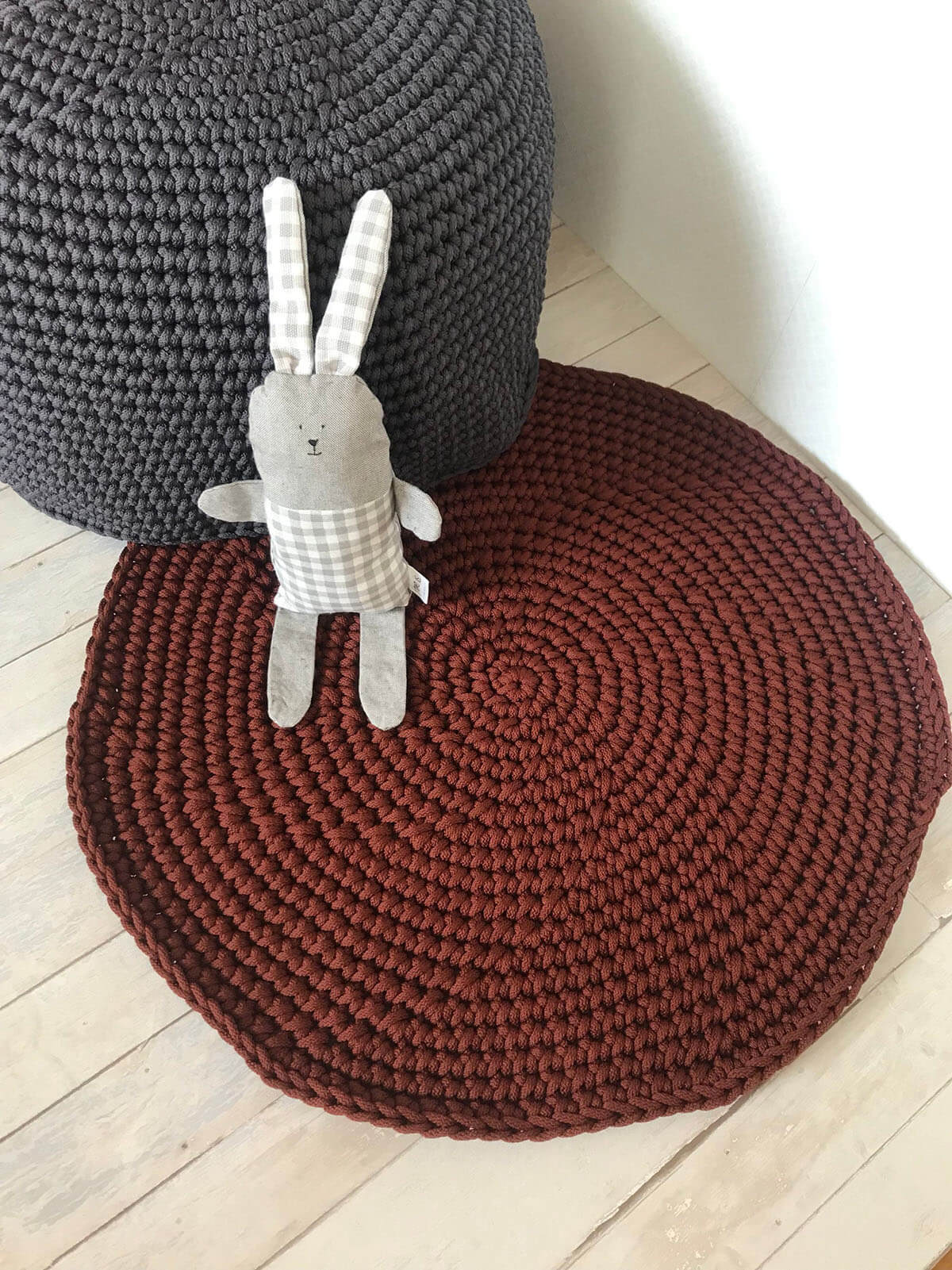 Burgundy Woven Knit Rugs Keep Things Cozy