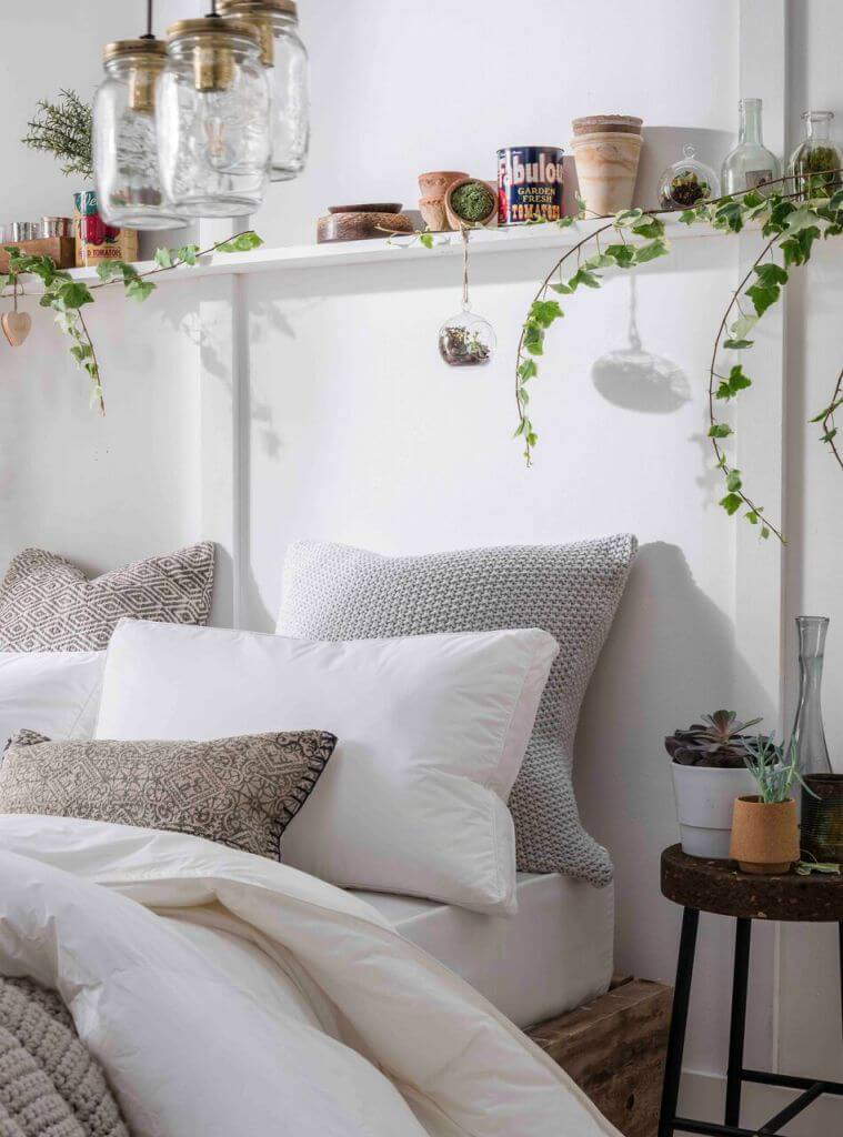 25 Best Cozy Bedroom Decor Ideas And Designs For 2020