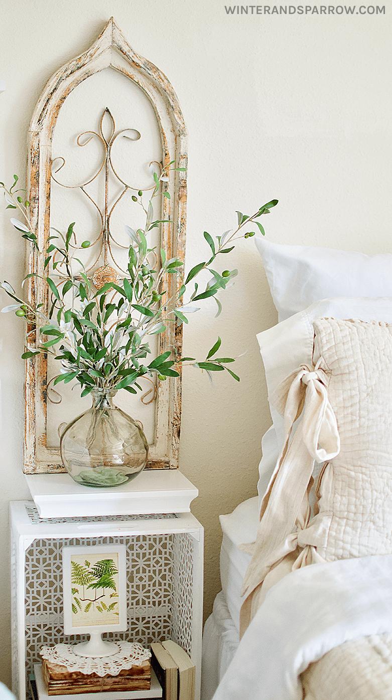 Country-Esque Cozy Bedroom Decor Ideas