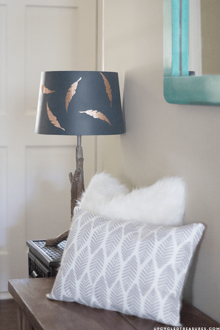 Feather Entryway with Accent Lamp and Pillows