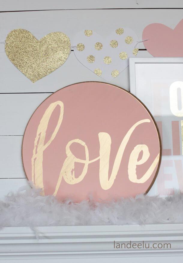 Heartfelt Sign of Love in Rose Quartz