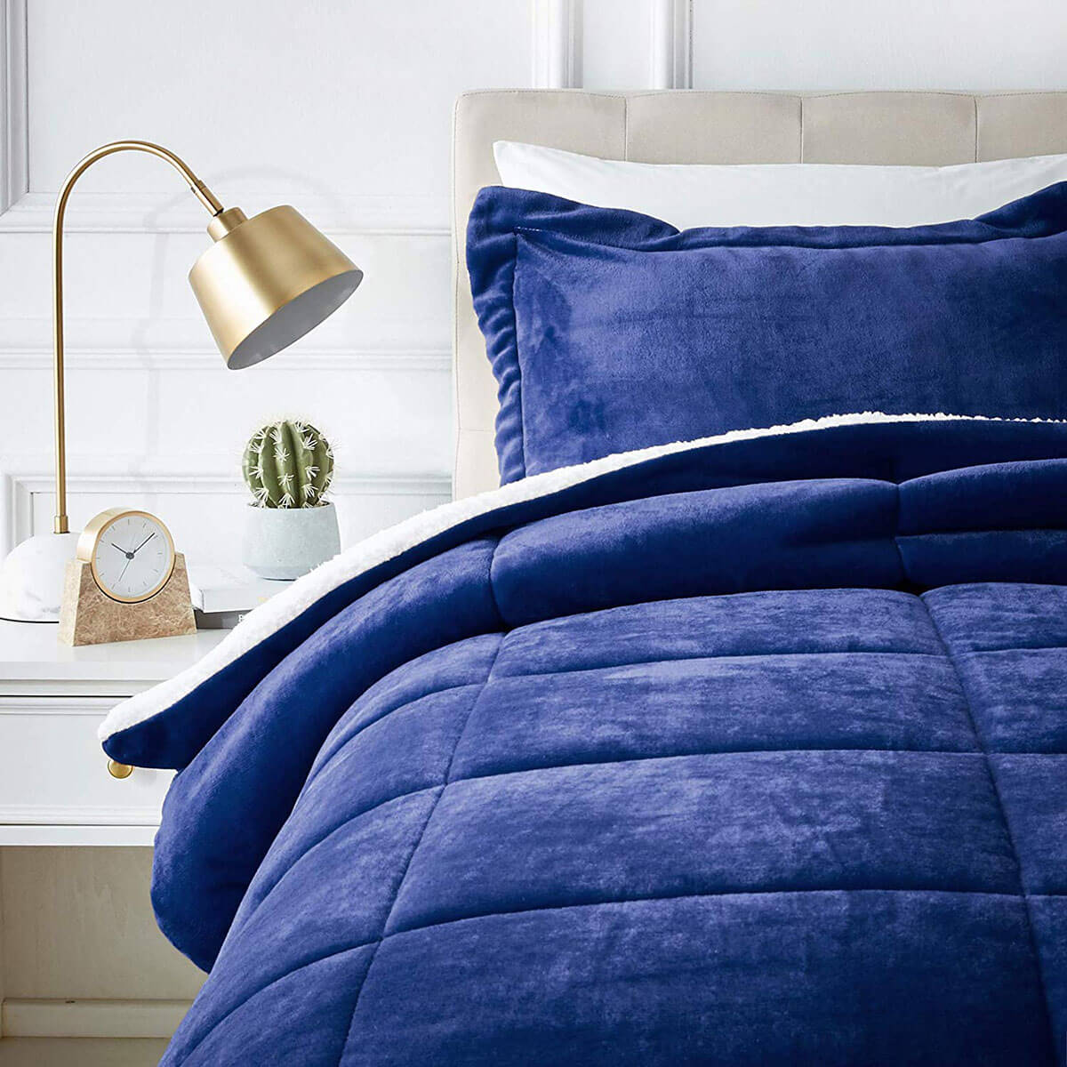 Super Soft and Cozy Micromink Comforter Set
