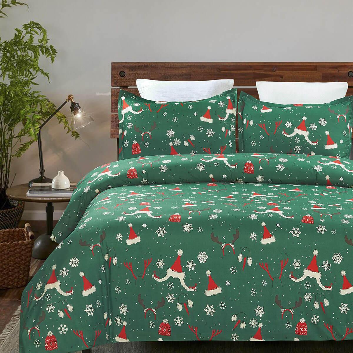 Festive Holiday-Patterned Bedding Sets