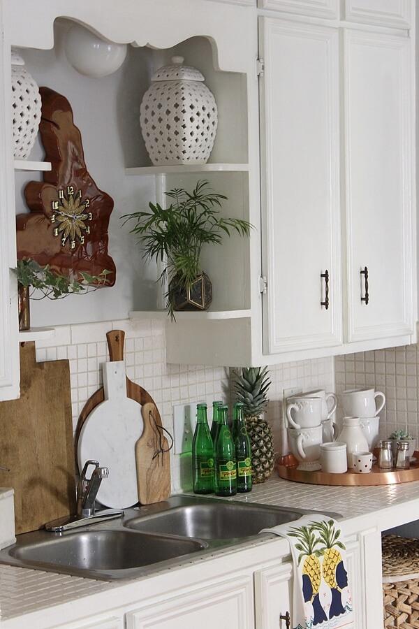 Vintage-Inspired Rounded Sink Shelves