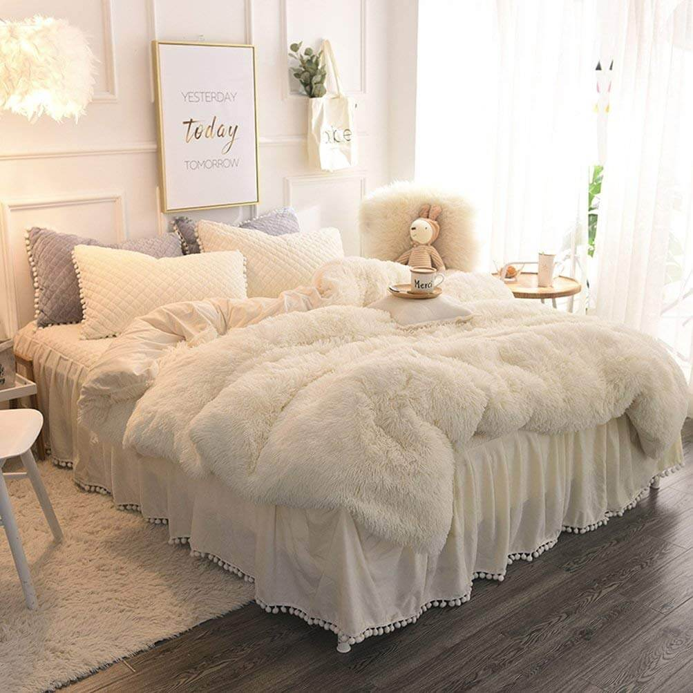 Sweet Dreams in this Romantic Faux Fur Duvet