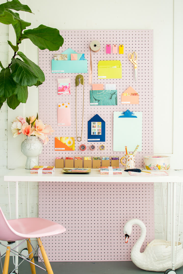 Full-length Pegboard Wall Desk Organizer