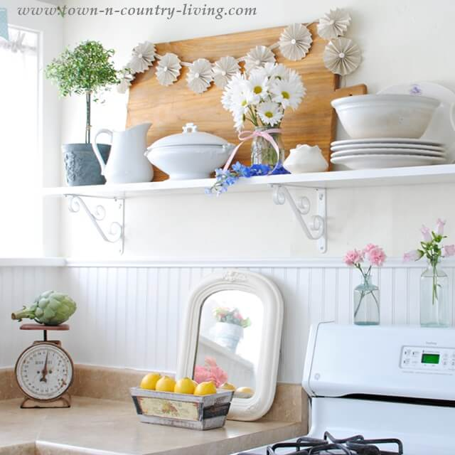 Cute Shelves with a Classic Touch