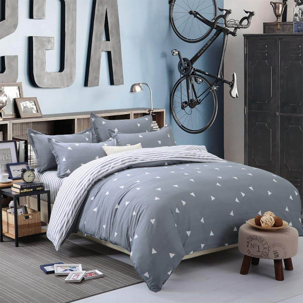 Sweet and Simple Two-Sided Duvet Cover