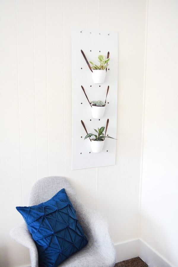 Using Pegboard to Create Changeable Wall Decor