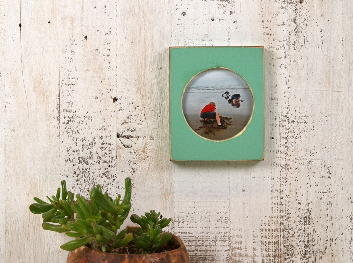 Cool Vintage Round Weathered Frame