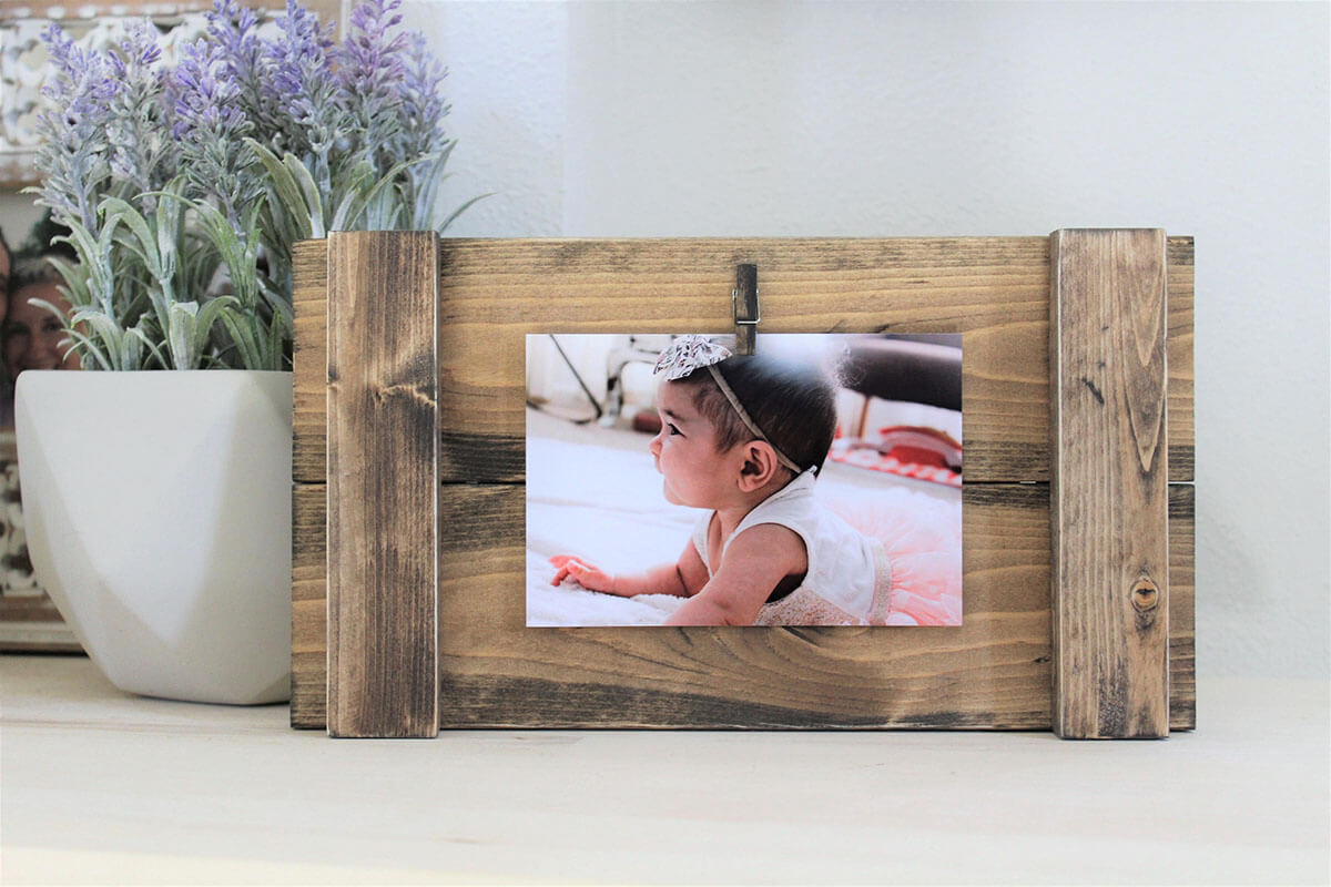 Simple Single Clothespin Wooden Clip-On Frame
