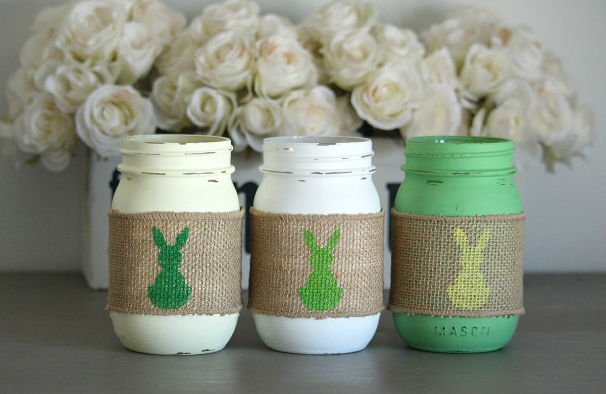 Distressed Pint-size Easter Mason Jar